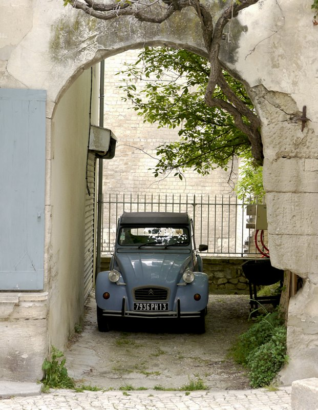 Car in courtyard